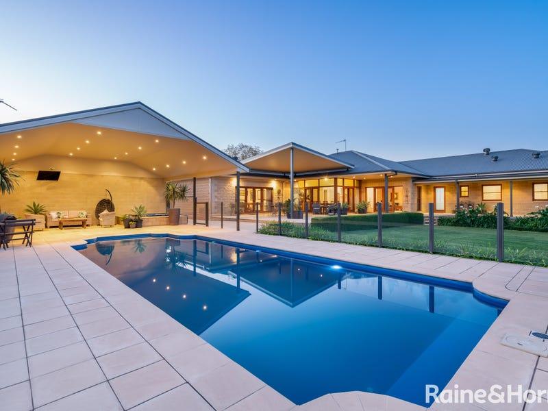 5 Tamarind Place, Lake Albert, NSW 2650
