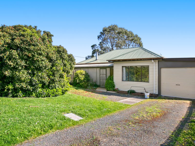 9 Essex Road, Bena, Vic 3946