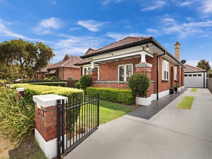 8 Corona Street, Hamilton East, NSW 2303