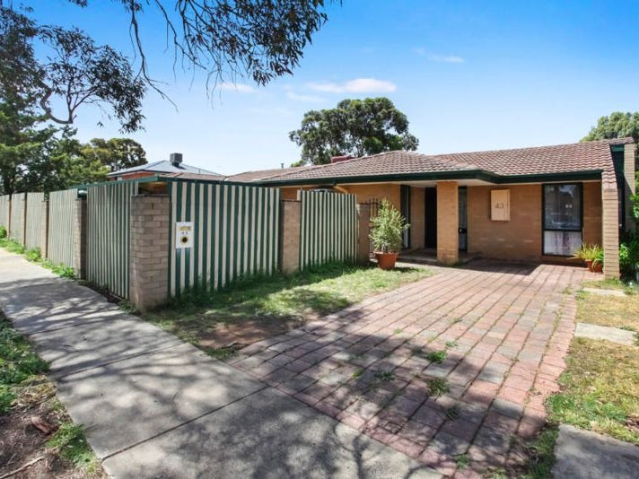 43 Chelmsford Way, Melton West, Vic 3337