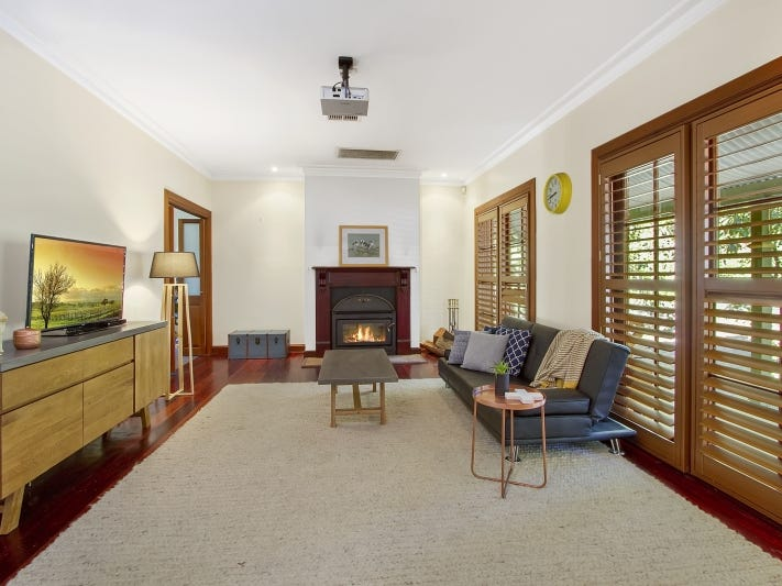 30 Coach House Place, Kurrajong Heights, NSW 2758