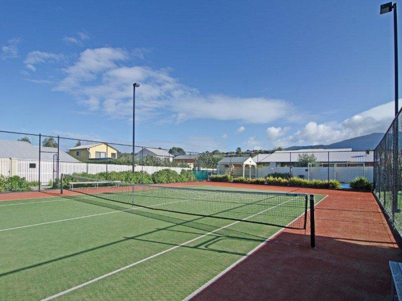 55 malachi dr kingston tas 7050 property details for Kingston swimming pool tasmania