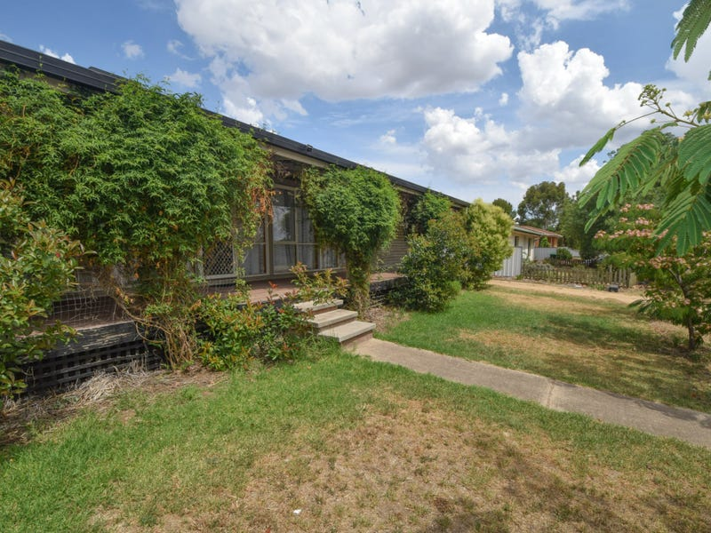 2 Jimmy Noonan Close, Young, NSW 2594