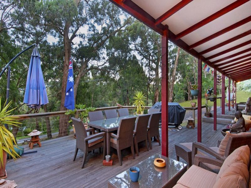 15 Currajong Avenue, Selby, Vic 3159