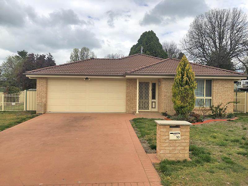 10 Morris Street, Blayney, NSW 2799