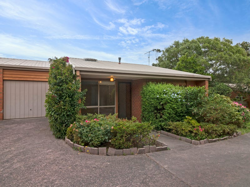 8/4 Bayview Avenue, Upwey, Vic 3158