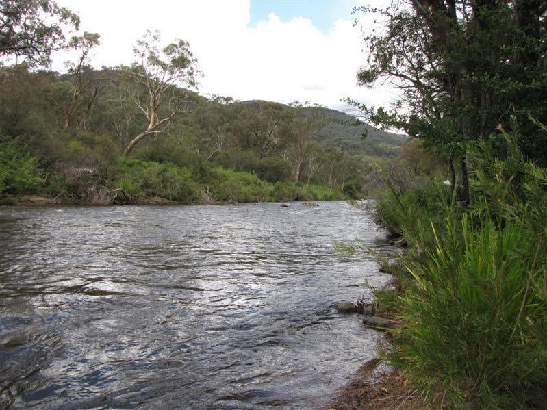 2/21 Walls Creek Rd East, Goobarragandra, NSW 2720