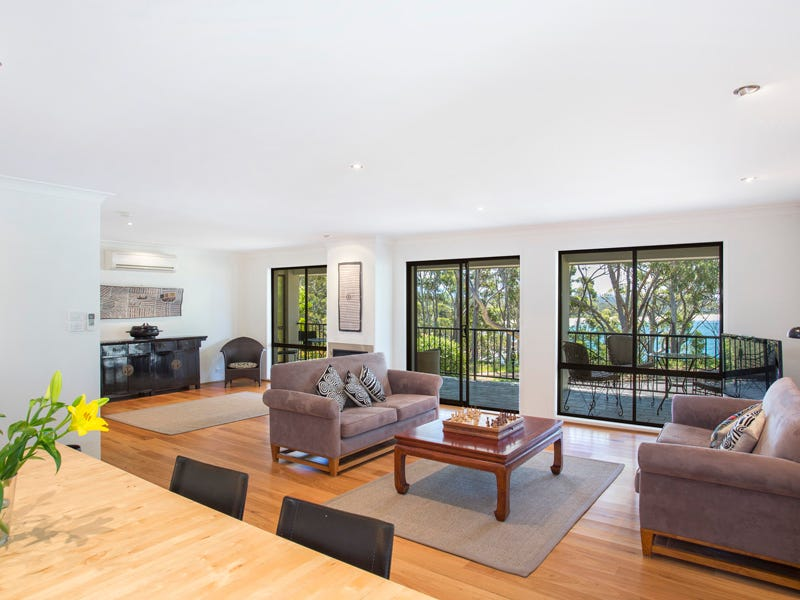 55 Bannister Head Road, Mollymook Beach, NSW 2539