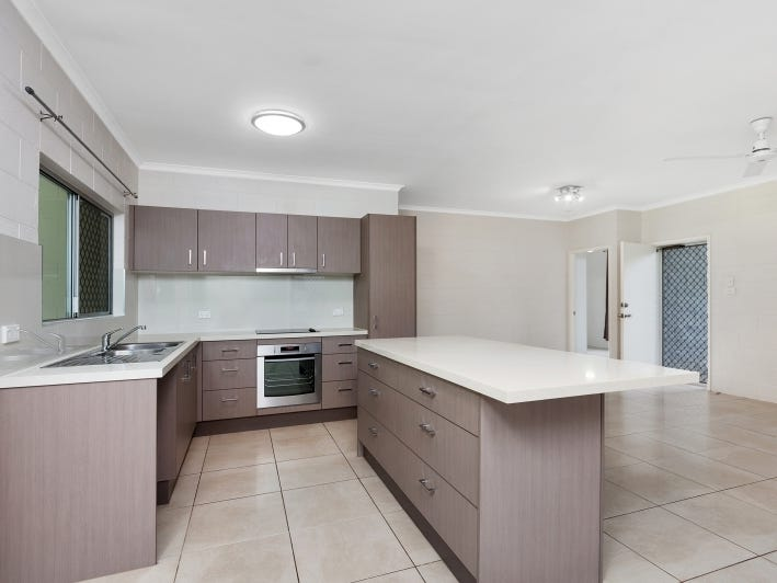 19 Windsor Close, Brinsmead, Qld 4870