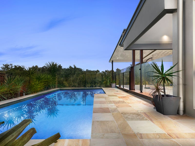 4 Robin Place, Forest Glen, Qld 4556