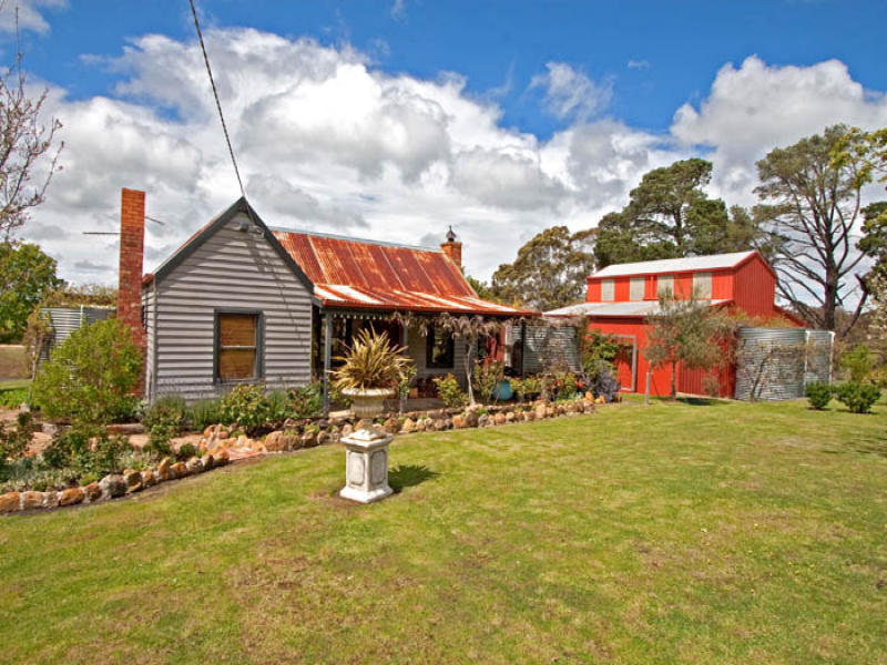236 Hennebergs Road, Newham, Vic 3442