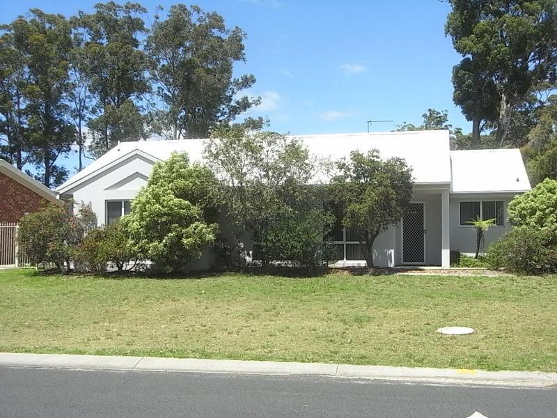 1/50 Zanthus Drive, Broulee, NSW 2537
