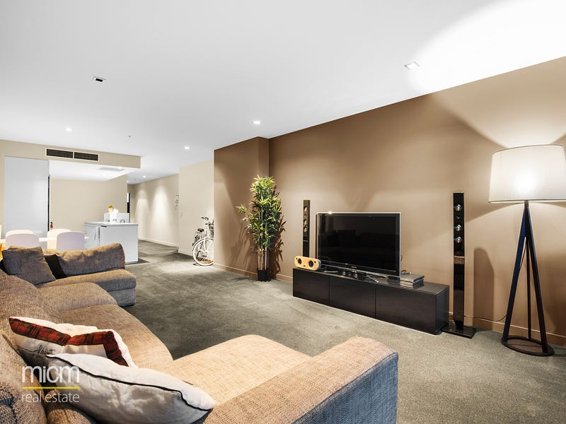 3304/100 Harbour Esplanade, Docklands, Vic 3008
