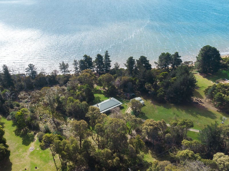 129 Paper Beach Road, Swan Point, Tas 7275