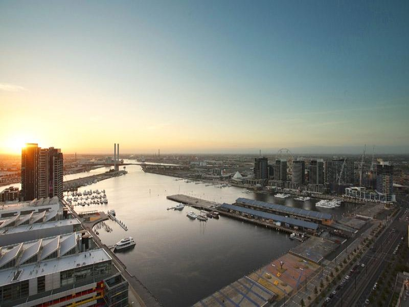 3206/100 Harbour Esplanade, Docklands, Vic 3008
