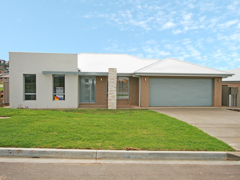 1/69 Stirling Boulevard, Tatton, NSW 2650