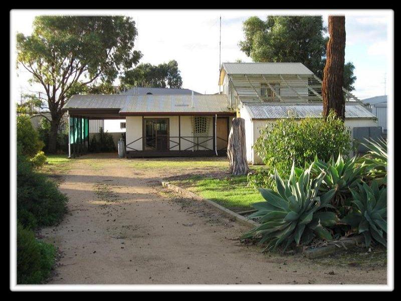 9 Casper Crescent, Port Victoria, SA 5573