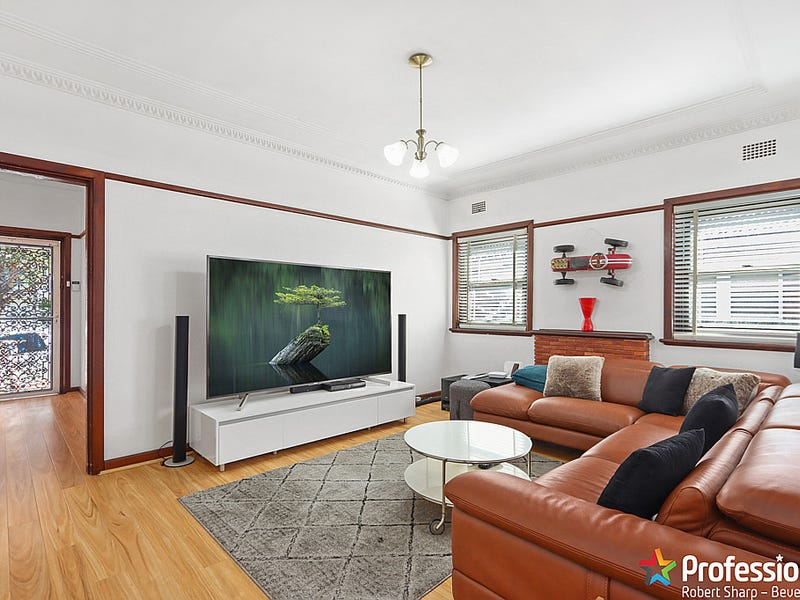 11 Fleming Street, Beverly Hills, NSW 2209