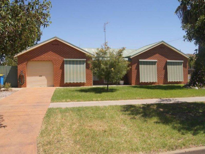 46 Pinnuck Street, Finley, NSW 2713