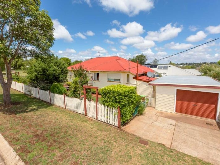 23 Mooney Street, Harlaxton, Qld 4350