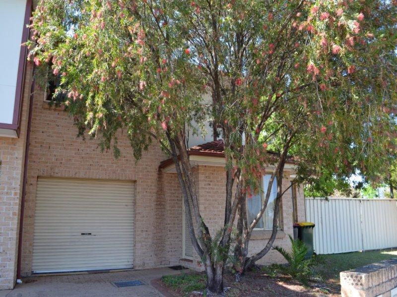 1/2 Wattle Avenue, North St Marys, NSW 2760