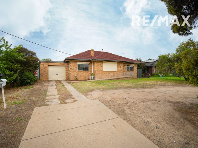 65 Main Street, Lake Albert, NSW 2650