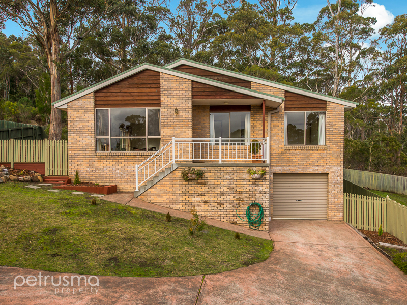 2/7 Summer Court, Mount Nelson, Tas 7007