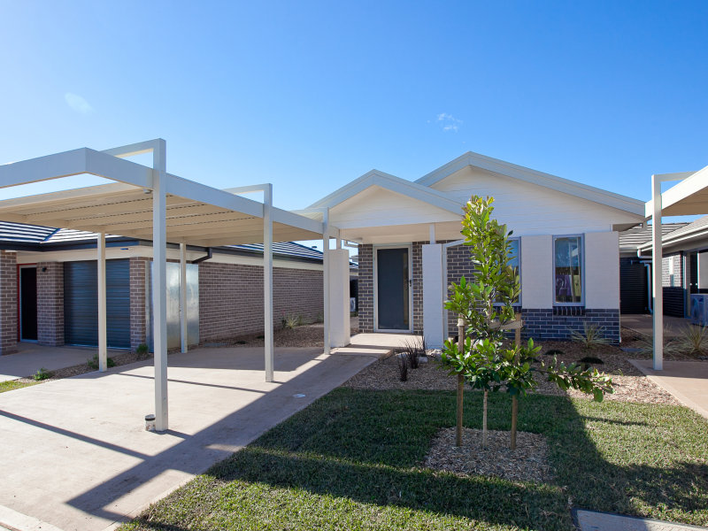 260/100 Gilchrist Drive, Campbelltown, NSW 2560