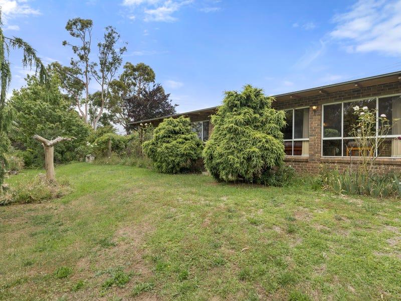 11 Roberts Street, Crookwell, NSW 2583