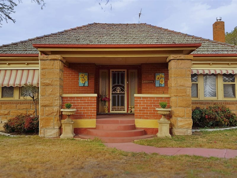 19 John St, Coonabarabran, NSW 2357