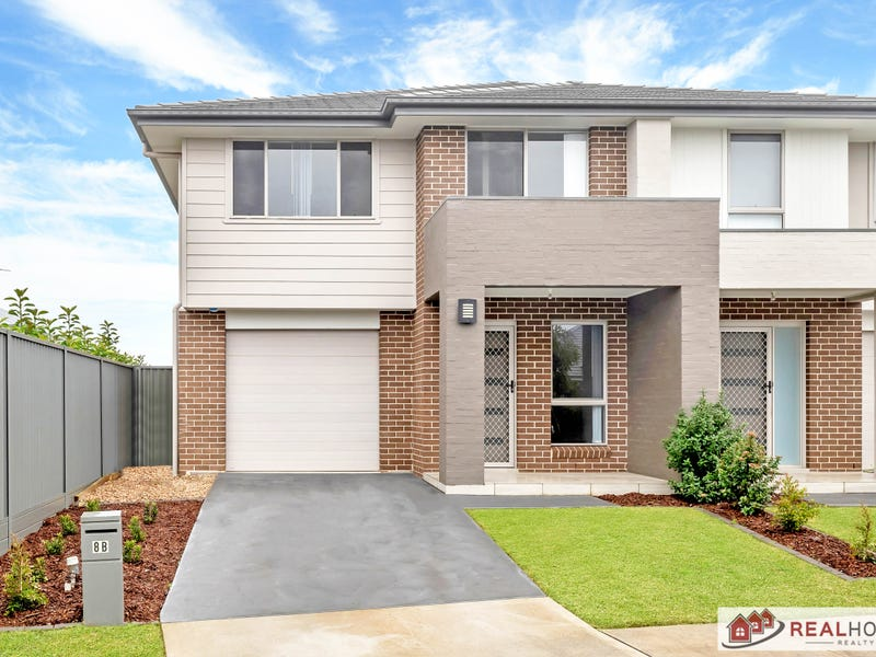 8b Foxtail Drive, Denham Court, NSW 2565