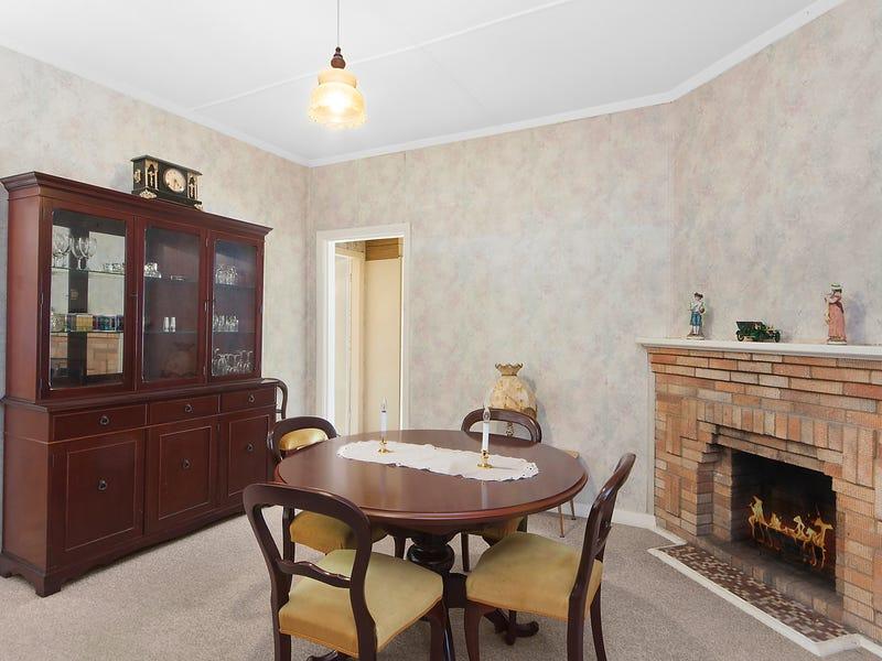 34 Jones Avenue, Warners Bay, NSW 2282
