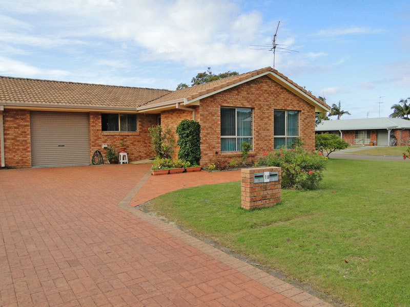 2/18 Shoreline Drive, Fingal Bay, NSW 2315