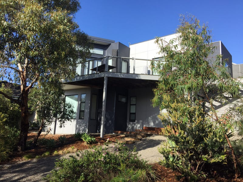 8 Erica Court, Aireys Inlet, Vic 3231