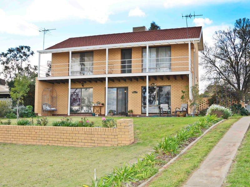 33 Riverview Drive, Dareton, NSW 2717