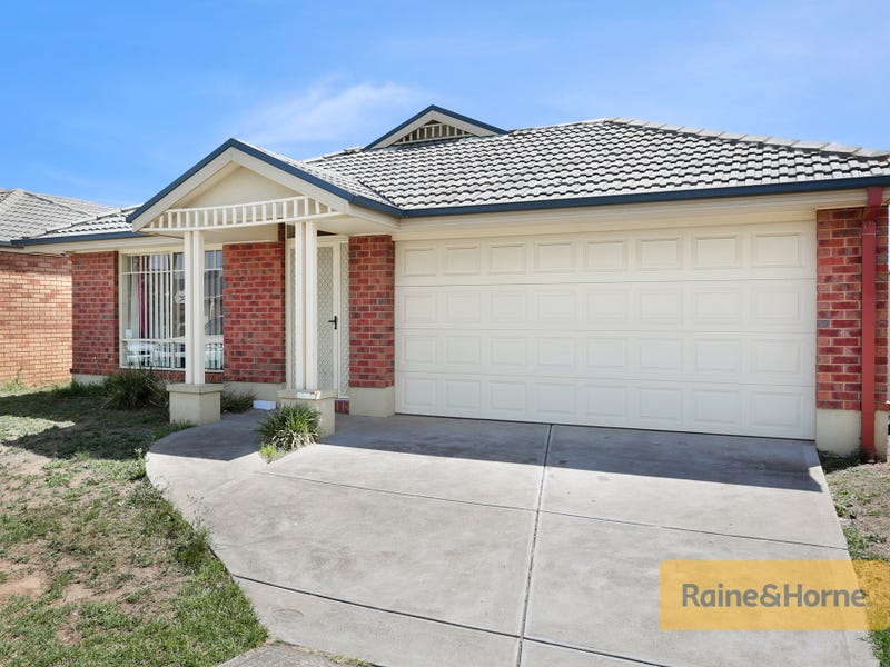 43 Ranfurlie Circuit, Melton West, Vic 3337