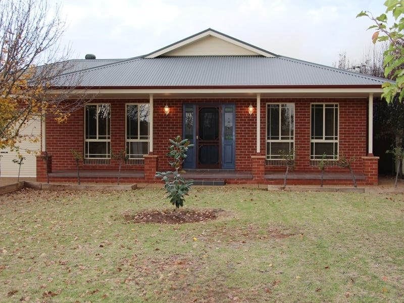 6 Evanside Parade, Griffith, NSW 2680