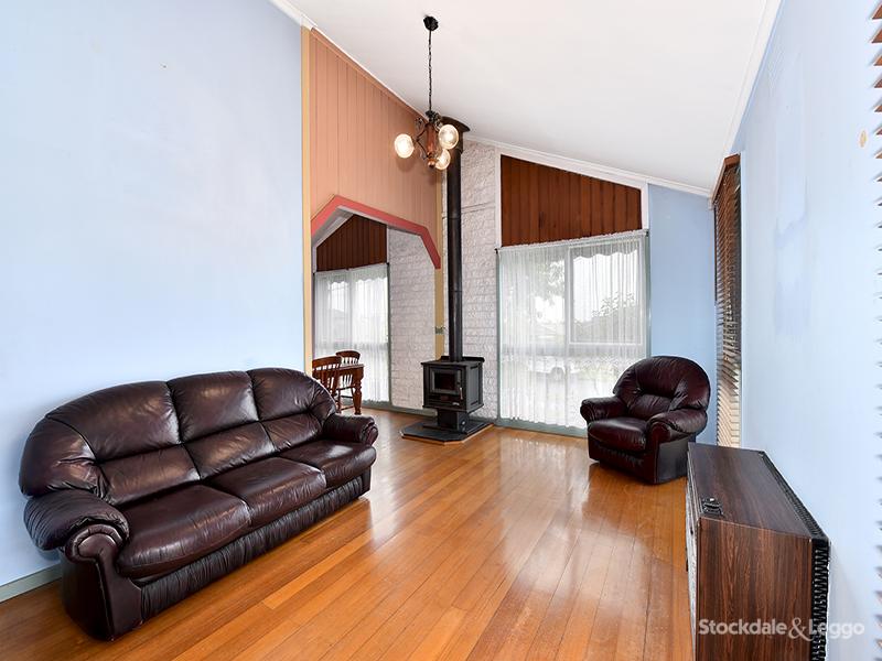 34 Pinewood Drive, Thomastown, Vic 3074