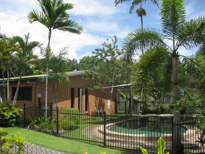 1/40 Marine Pde, Newell, Qld 4873