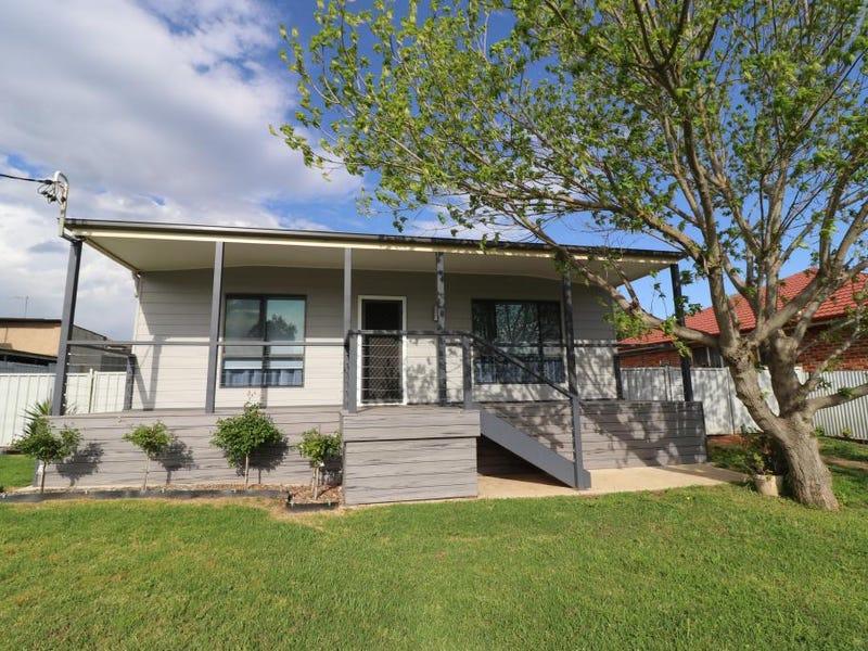 44 ELIZABETH ST, Young, NSW 2594
