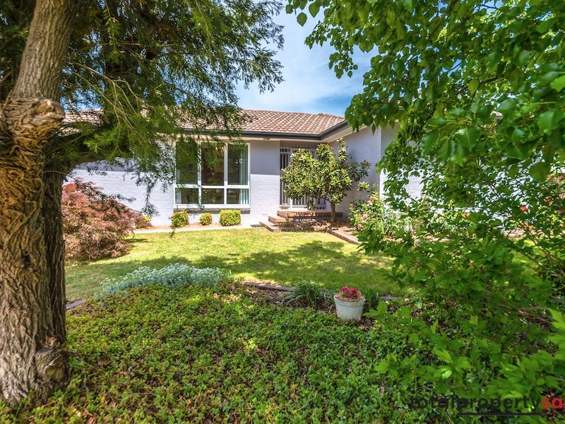 11 Nannine Place, Fisher, ACT 2611