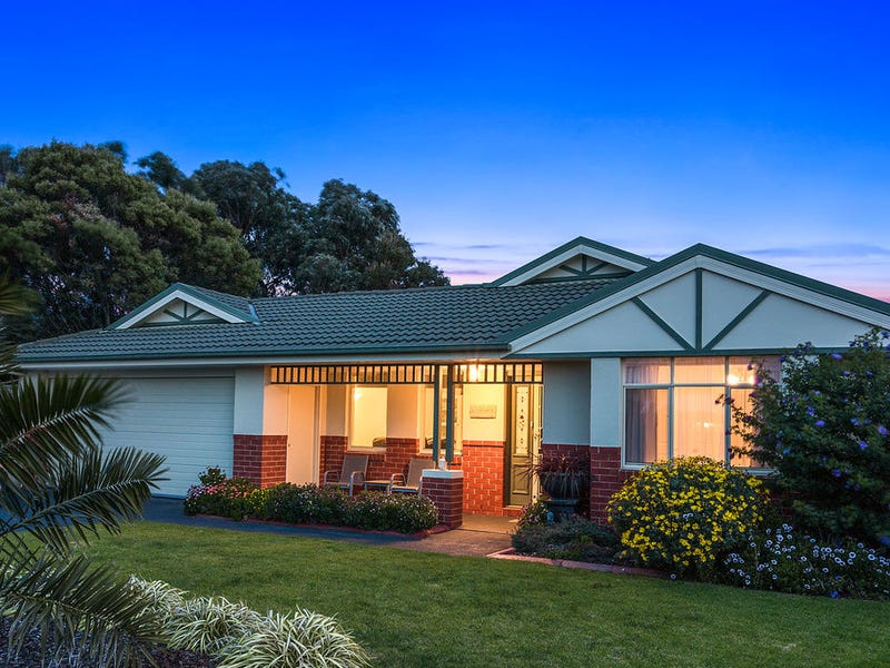8 Palm Tree Drive, Safety Beach, Vic 3936