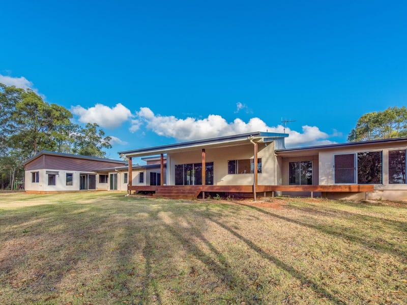 18 Cedars Road, South Bingera, Qld 4670