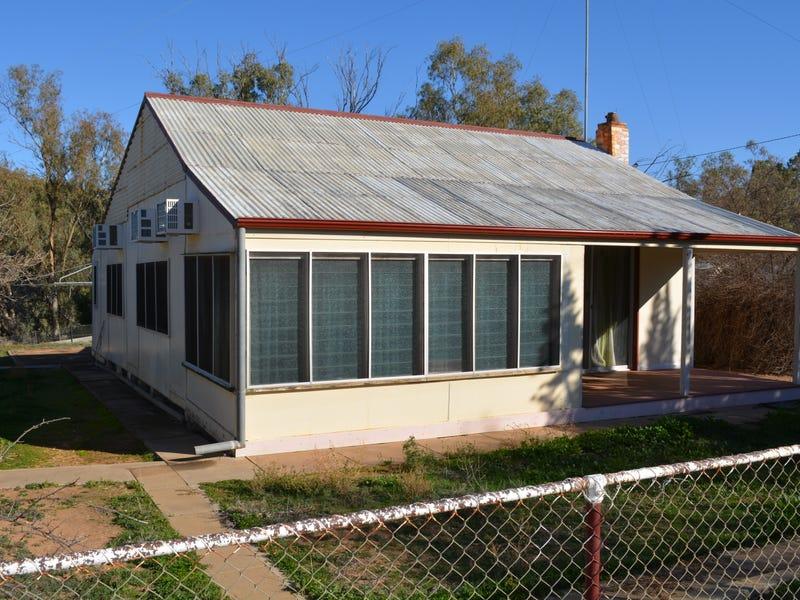 10-12 Tarcoola Street, Pooncarie, NSW 2648