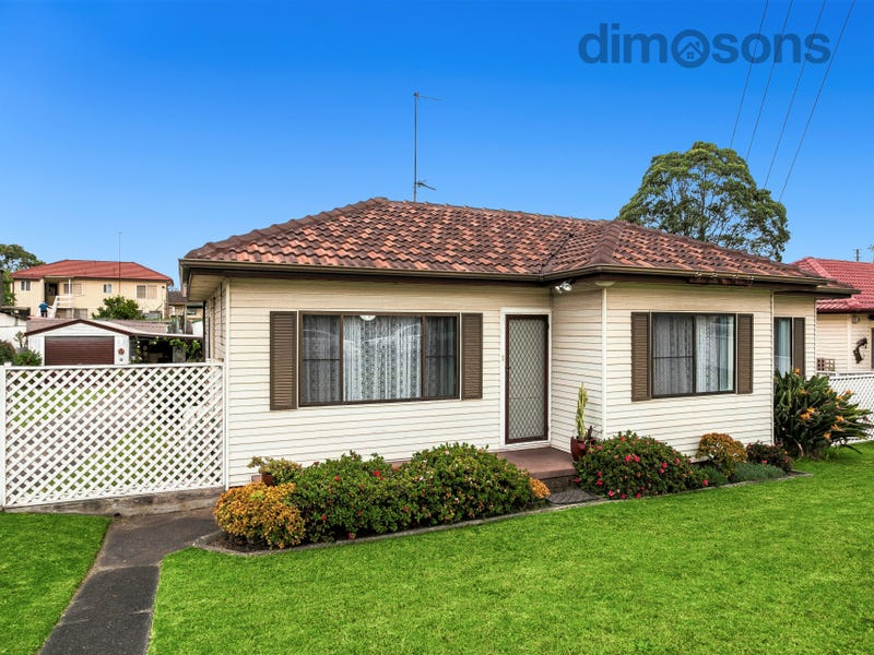 63 Mirrabooka Road, Lake Heights, NSW 2502
