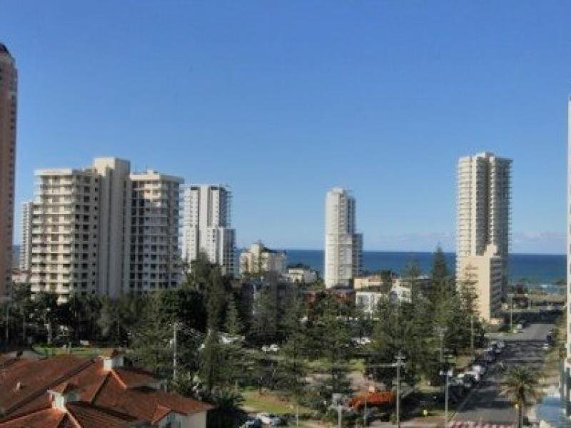 PENTHOUSE/24 - 26 PHOENICIAN PENTHOUSE, Queensland Avenue, Broadbeach, Qld 4218