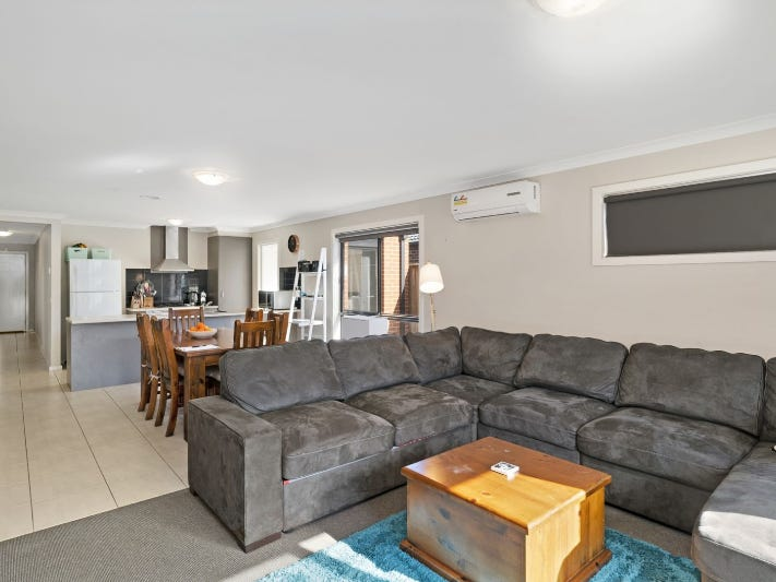 3 Bellis Place, Brookfield, Vic 3338