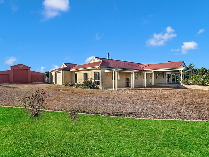 33 Gleesons Road, Little River, Vic 3211