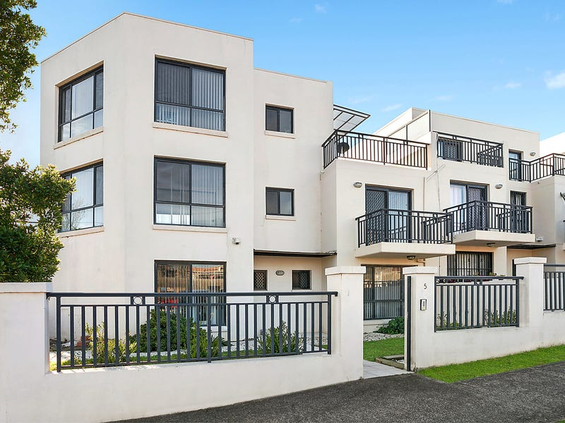 5/7 Blakesley Road, Carlton, NSW 2218