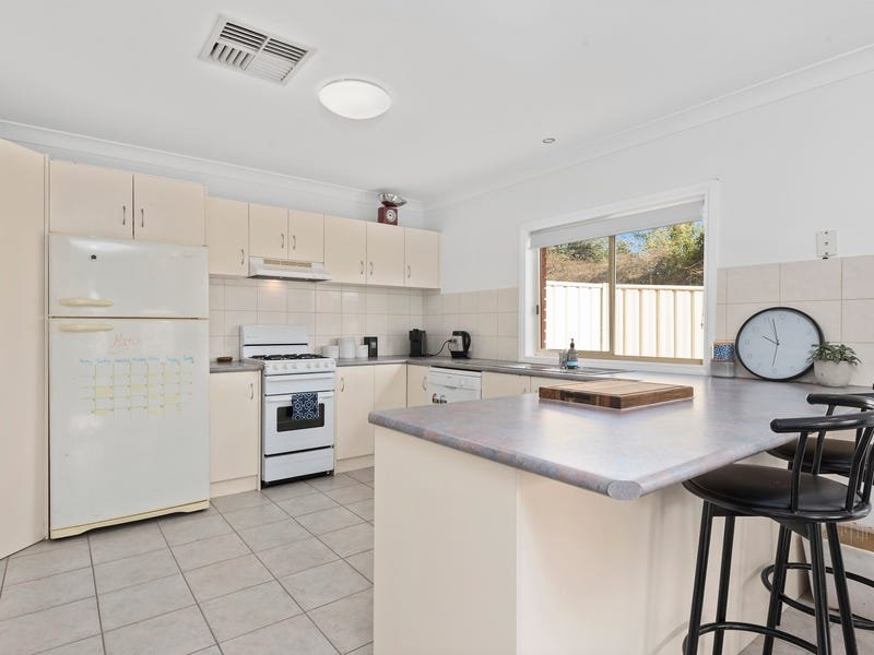 1/29 Derby Grove, Flora Hill, Vic 3550